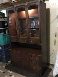Beautiful buffet cabniet and hutch. Solid wood and glass. Huntsville, P1H 1R4