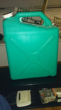 23L water containers x4