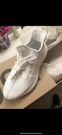 AUTHENTIC 350 ALL WHITE YEEZY BOOST  760 mi