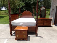 BRAND  NAME  FURNITURE    (STANDLY  FURNITURE  )    REALLY  NICE  QUEEN  BEDROOM   SUIT   DALTON