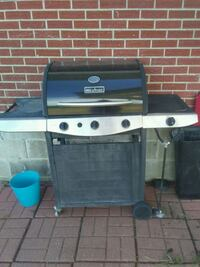 gray gas grill Lakewood, 80232