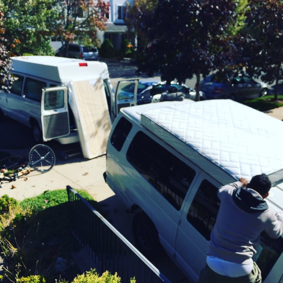 SMALL MOVING VAN SERVICE , DELIVERY , JUNK REMOVER