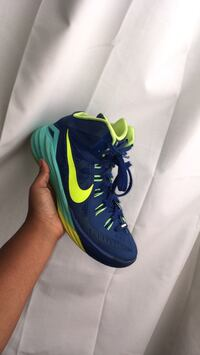 Unpaired blue and green nike basketball shoe Oklahoma City, 73135