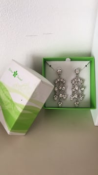 Bittersweet cubic zirconia earrings Toronto, M6G 3X7