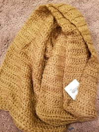 Scarf **new with tags*** Severn, 21144