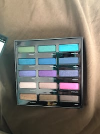 New urban decay spectrum pallet St Catharines, L2S 3Y3