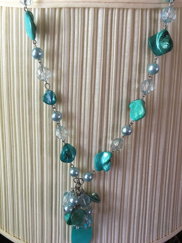 Turquoise necklace 047bf2d3-759c-4187-9595-5d4943f084ad