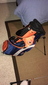 Golf set for 7-9 year old boys. Includes one driver and hybrid. Contains 8 balls and 2 picks. Golf backpack has 3 pockets. It is in good condition. Sandy Springs, 30342
