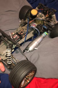 RC gas car 2.5 engine and hits 95 mph
