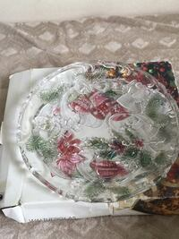 white and red floral ceramic plate Hamilton, L9C 4B5