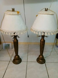 two brown-and-white table lamps Laredo, 78043