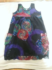Beautiful flower dress new size L Laval, H7W