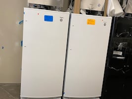 Whirlpool refrigerators only new scratch and dent