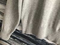 Tommy Hilfiger ladies sweater. Sz: Large. Light grey Guelph, N1E 5R9