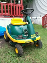 green and yellow ride-on mower Forney, 75126