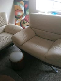 (Off White) Leather padded sofa chair Must Go!!!! Temple Hills, 20748