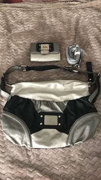 Guess purse almost new with matching wallet Bloomington, 55420