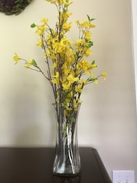 Used Beautiful Decorative Fake Yellow Flowers Can Also Purchase