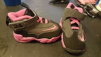 pair of gray-and-pink Nike sneakers Connersville, 47331