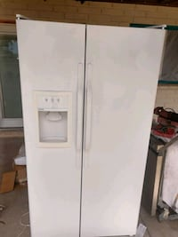 Hotpoint side-by-side fridge with ice maker Mesa, 85204