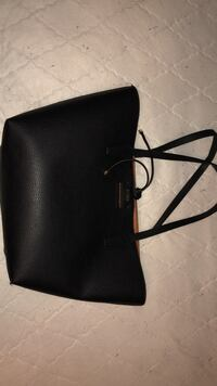 Black guess leather tote bag Penticton, V2A 4Y6