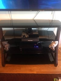 Tv stand and almost brand new conditions. Vaughan, L6A 2L7