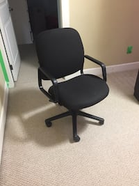 Office Chair  Coquitlam, V3K 2B9