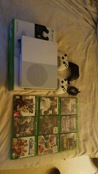 Xbox one S with 9 games and 3 controllers Silver Spring, 20902