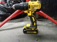 yellow and black DeWalt cordless power drill Parma, 83660