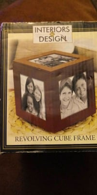 Picture frame revolving cube location is off Las Vegas NV 89156