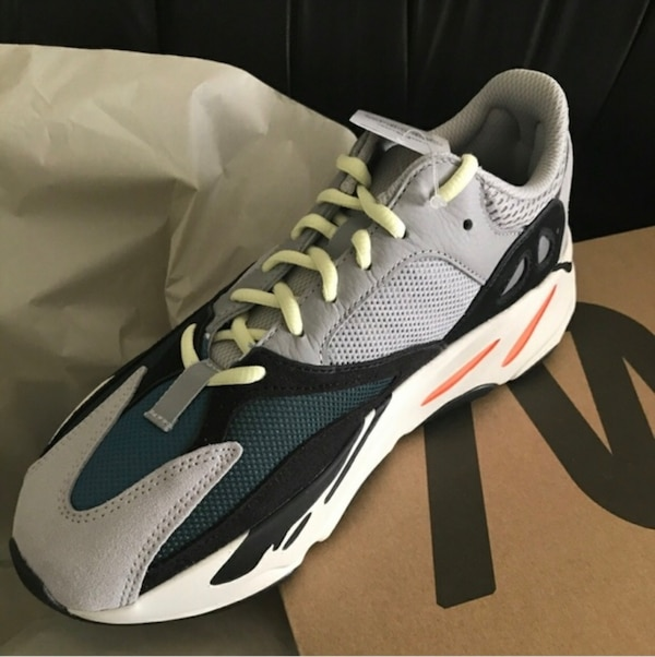 21f3431d57c Used Adidas Yeezy Wave Runner 700 for sale in New York - letgo