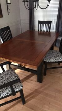Dining Table with 2 inserts & 6 chairs