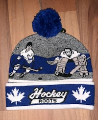 BRAND NEW ROOTS  WINTER HAT WITH TAGS