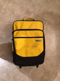 Used in excellent condition suit case with wheels and seperate hand bag Pharr, 78577