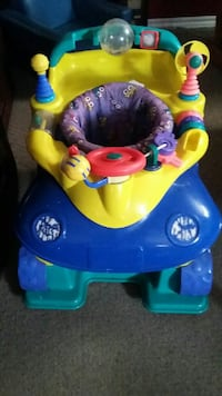 Selling this bouncy car / set $10 Bradford West Gwillimbury, L3Z 1Z1