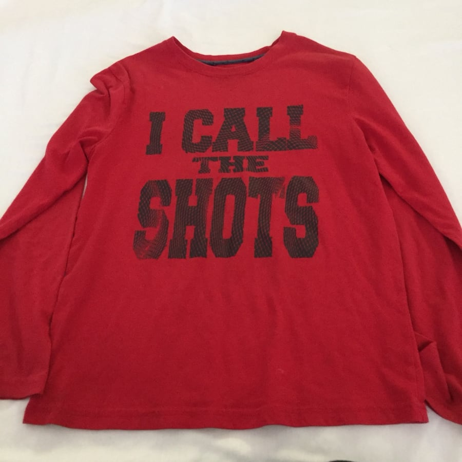Red and black crew neck long sleeve shirt