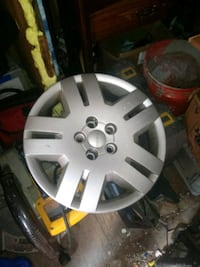 Dodge hubcaps came off 2012 avenger Hagerstown, 21740