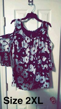 purple and white floral scoop-neck sleeveless top Middletown, 17057
