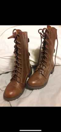 Pair of brown leather boots Ogden, 84405