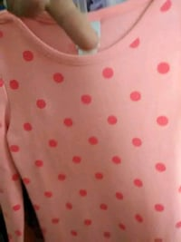 white and red polka dot scoop-neck shirt 332 mi