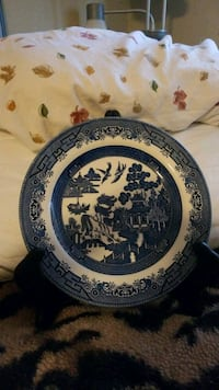 Japanese decorative plate with stand  Albuquerque, 87109