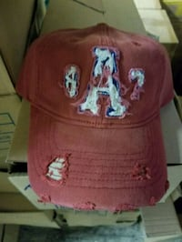 red and white fitted cap Santa Monica, 90404