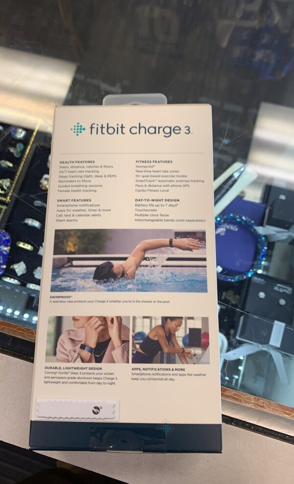 New in box Fitbit charge 3 6cdbbee3-cb82-497d-a738-be1e7dbc8020