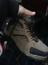 Size 8 woman steal toe boots like new