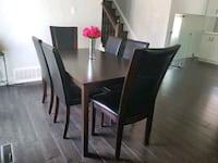 Dining table and 6 chairs. Mississauga, L5V 1W4