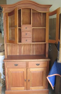 HUtch with beveled glass