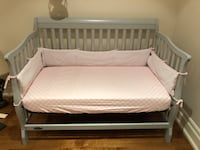 Grey wooden bed frame with white mattress 米西索加, L5G 2R2