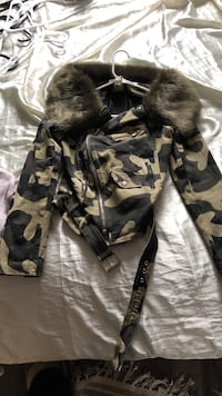 black and white camouflage jacket and pants Agawam, 01030