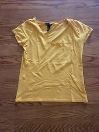 NEW H&M V-Neck T-Shirt Size L Fairfax, 22035