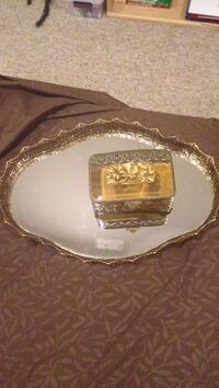 Ornate mirrored tray and jewelry box Chicago, 60623